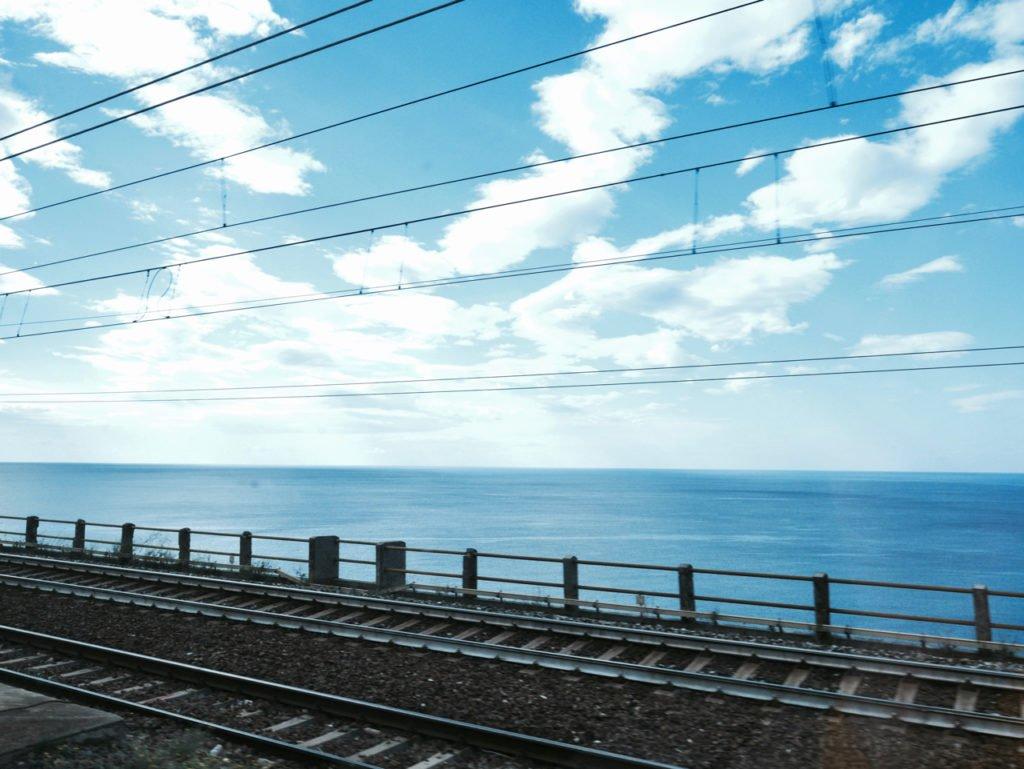 Tolle Italien Zugreise mit dem Zug. Mit dem Zug von Rom nach Palermo.