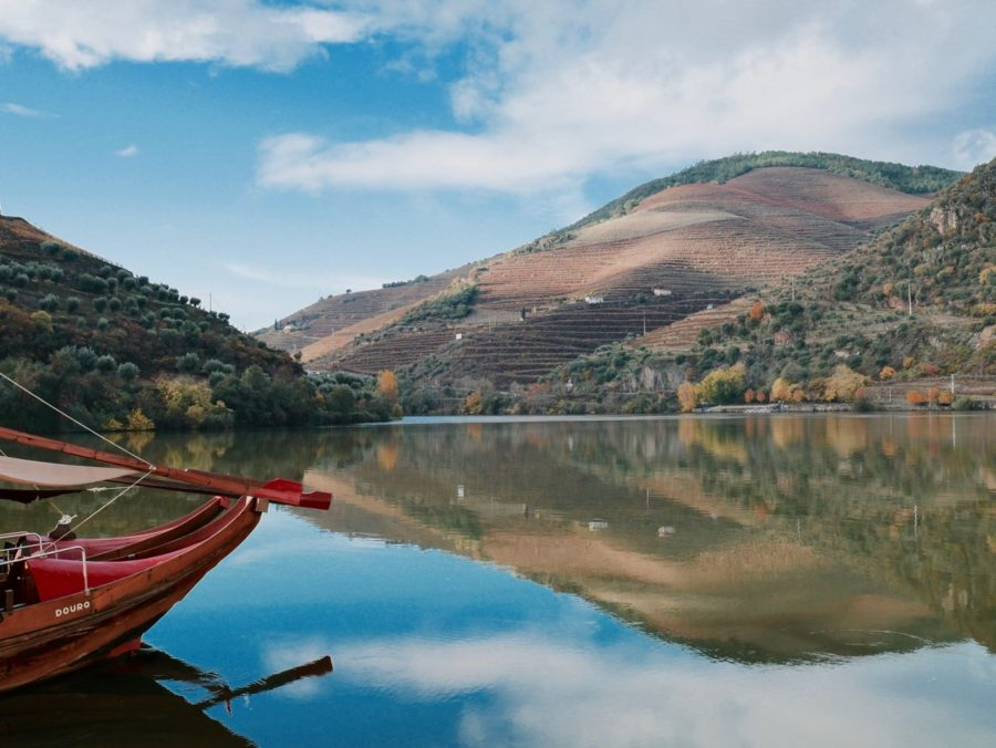 Mit dem Boot unterwegs in Douro Tal in Portugal