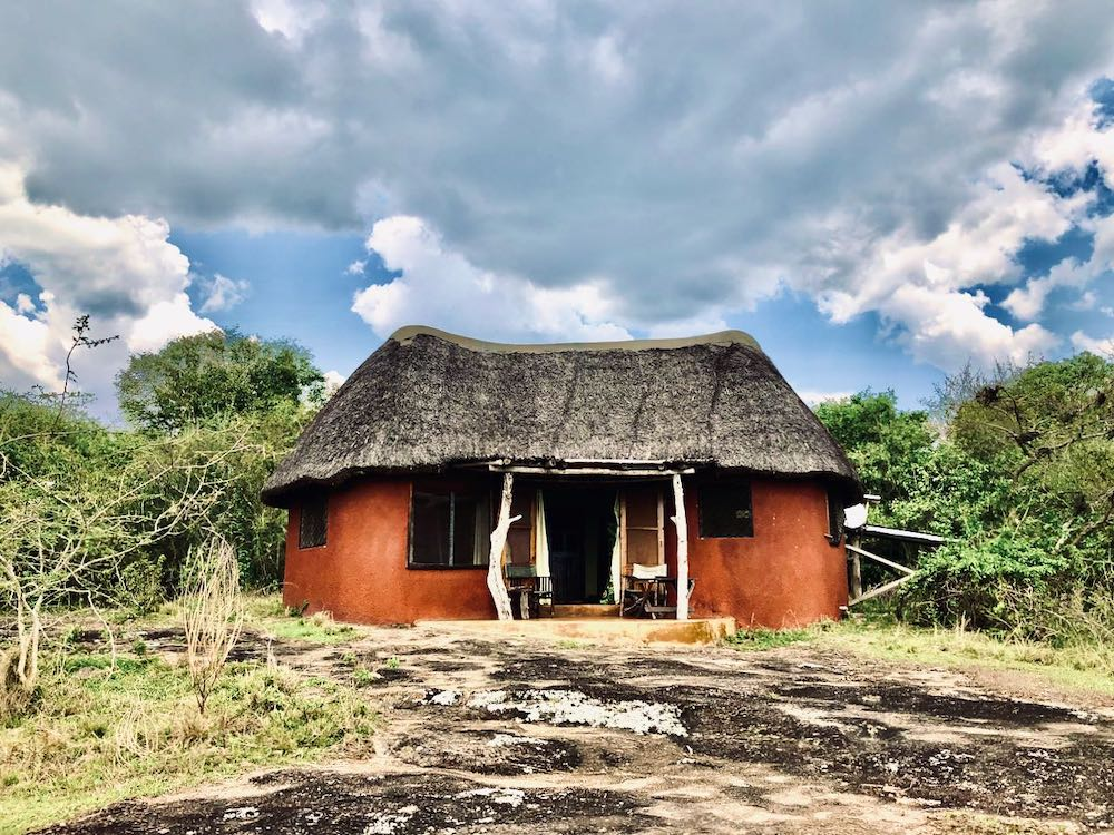 Bungalow der Rwakobo Rock Lodge in Uganda