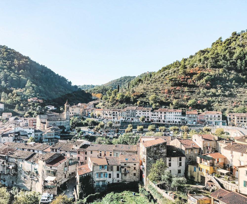 Wundervolle Zugfahrt mit der Tendabahn entlang französischer Dörfer!